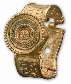 Istorija odevnih predmeta - Page 4 Njiancientjewelryimg4